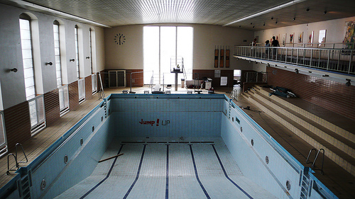 Spott box we love wedding for Repurposed swimming pool